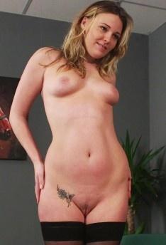 Nadia Elaina